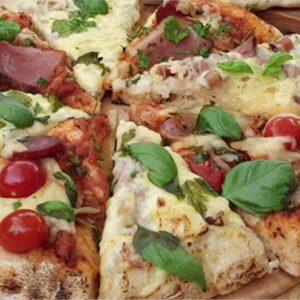 Paradicsomos és tejszínes-sonkás grill pizzák – Szoky konyhája